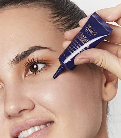 https://www.kiehls.com.tr/media/kiehls_blog_images/19-07/10/midnight-recovery-eye.jpg
