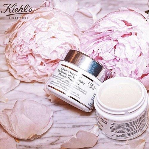 https://www.kiehls.com.tr/media/kiehls_blog_images/19-07/19/kiehls-clearly-corrective-brightening-smoothing-moisture-treatment.jpg