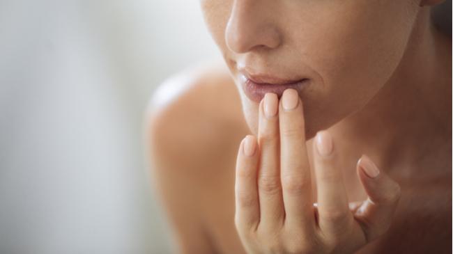 Dudak Yeme Alışkanlığının Önüne Nasıl Geçilir? | Kiehl's Blog