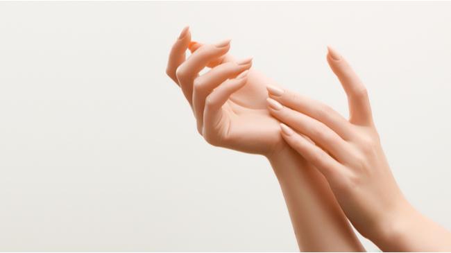 Elleriniz Yaşınızı Ele Vermesin