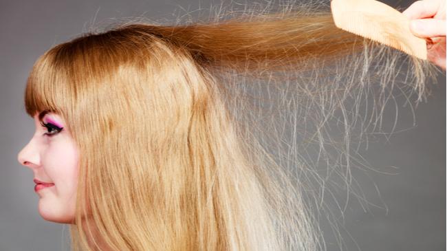 Saç Elektriklenmesi için Ne Yapılmalı? | Kiehl's Blog